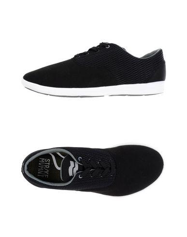STR/KE MVMNT Sneakers