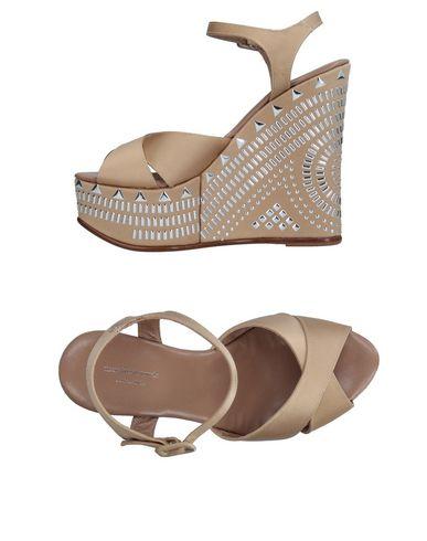 MASSIMO LONARDO Sandals in Beige