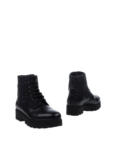 ALBERTO FERMANI Ankle Boot in Black