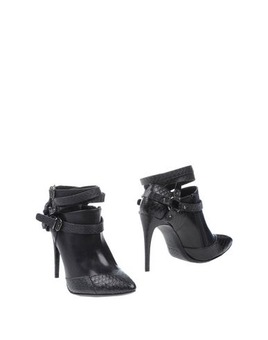 INGA Ankle Boot in Black