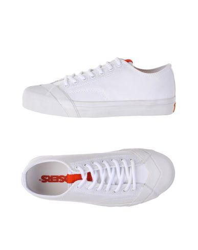 LOSERS Sneakers in White