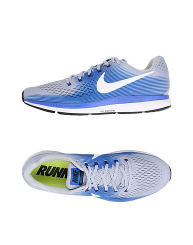 NIKE. AIR ZOOM PEGASUS 34. Sneakers