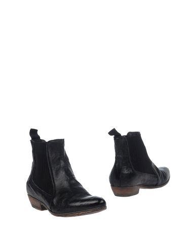 DAVIDSON Chelsea boots