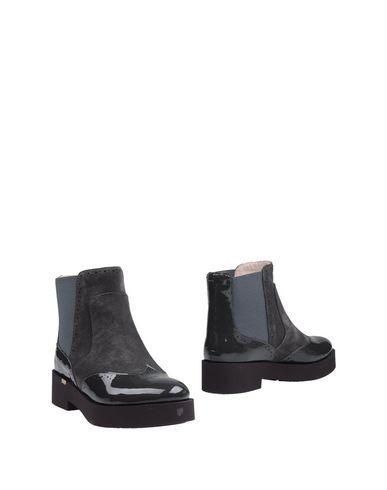 FIORANGELO Chelsea boots