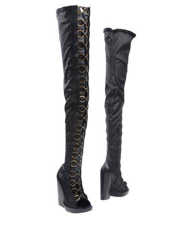 VIBRAM Boots in Black