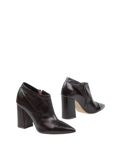 FAUZIAN JEUNESSE Ankle Boot in Dark Brown