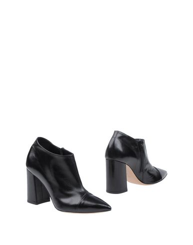 FAUZIAN JEUNESSE Ankle Boot in Black