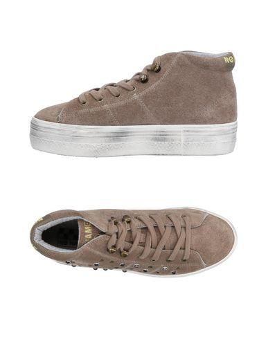 NO NAME Sneakers in Dove Grey