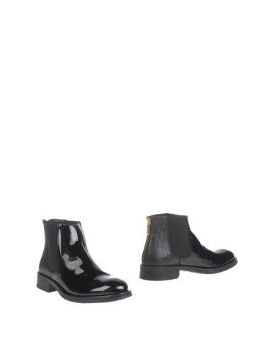 GIANFRANCO LATTANZI Chelsea boots