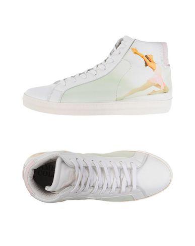 AMERICAN COLLEGE Sneakers