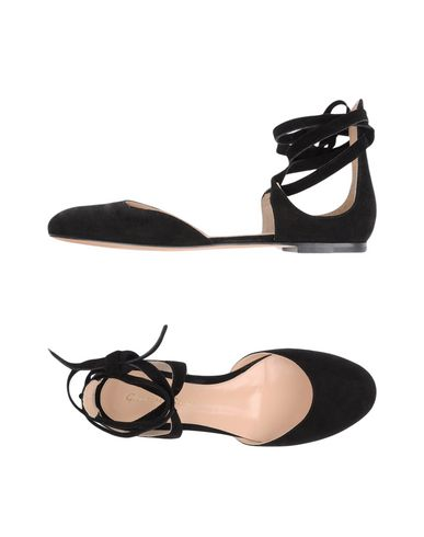 GIANVITO ROSSI Ballet Flats in Black