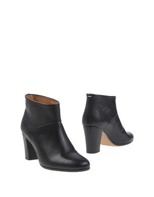 aa5260dfc42 How many shoes do you own     femalefashionadvice