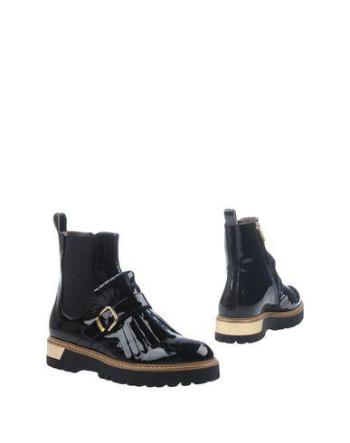 LORETTA PETTINARI Chelsea boots