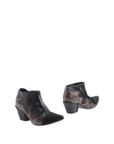 HAIDER ACKERMANN Ankle Boot in Black