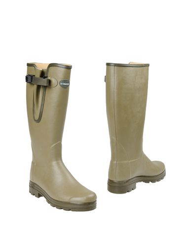 LE CHAMEAU Boots in Light Green
