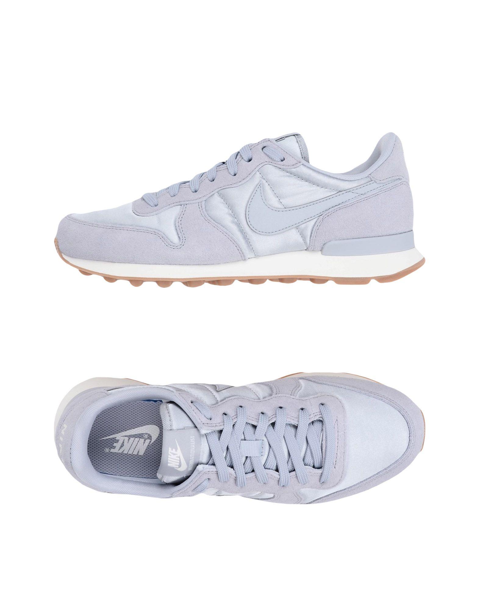 Nike  Internationalist  11325552FE