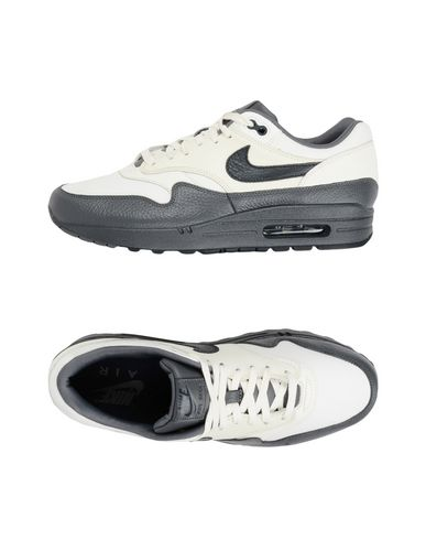 code promo d5749 032d4 NIKE Sneakers - Chaussures | YOOX.COM