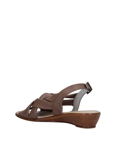 SHOES AND MORE... Sandalen