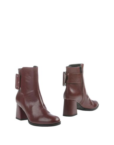 GIANNI MARRA Ankle Boot in Maroon