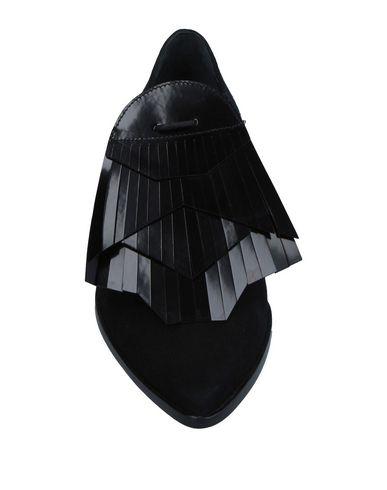 GORDANA DIMITRIJEVIĆ Zapato de cordones