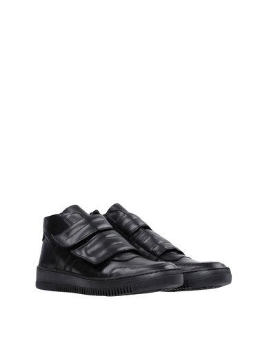EDWA Sneakers
