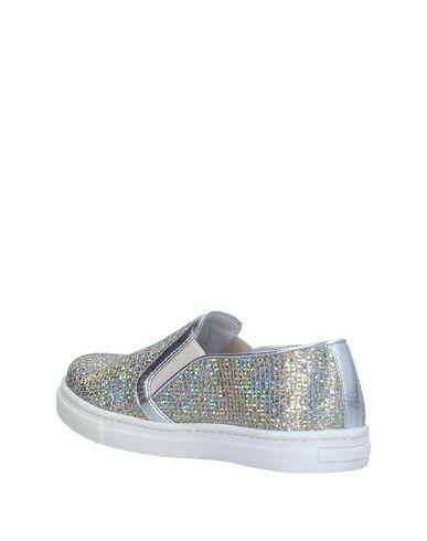 SHAKE Sneakers