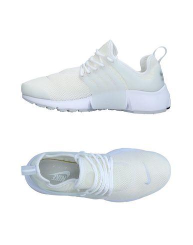 low priced a13b8 bef0e Nike Sneakers - Women Nike Sneakers online on YOOX Netherlands ...