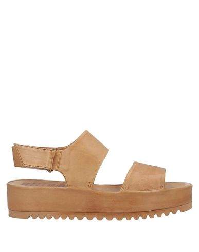 PF16 Sandales