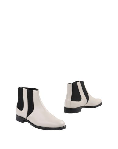 STUDIO POLLINI Ankle Boots in Ivory