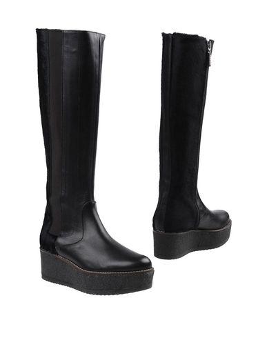0c854af3110 LOGAN Boots - Footwear D | YOOX.COM