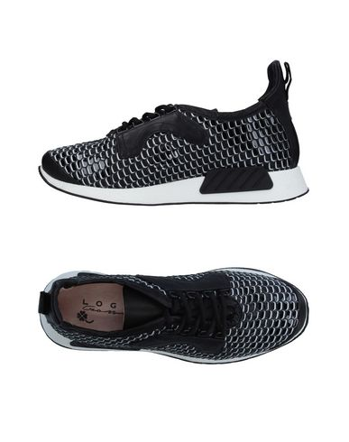 LOGAN CROSSING Sneakers