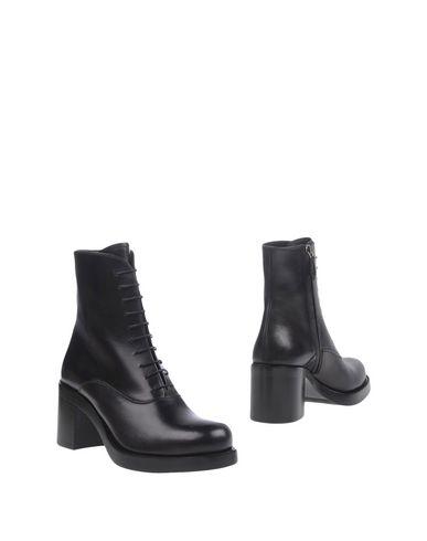 Полусапоги И Высокие Ботинки Для Женщин от Miu Miu - YOOX Россия 1f4adf8e0c8