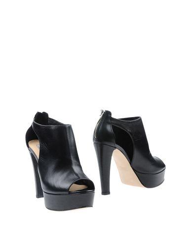 FOOTWEAR - Pumps on YOOX.COM Donna Pi�� JjU2oA4