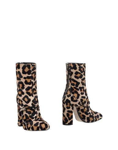 N° 21 - Ankle boot