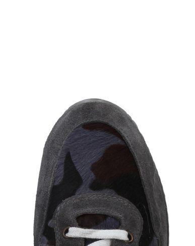 YAB Sneakers