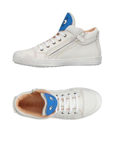 OCRA Sneakers