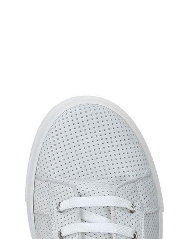 EUREKA Sneakers