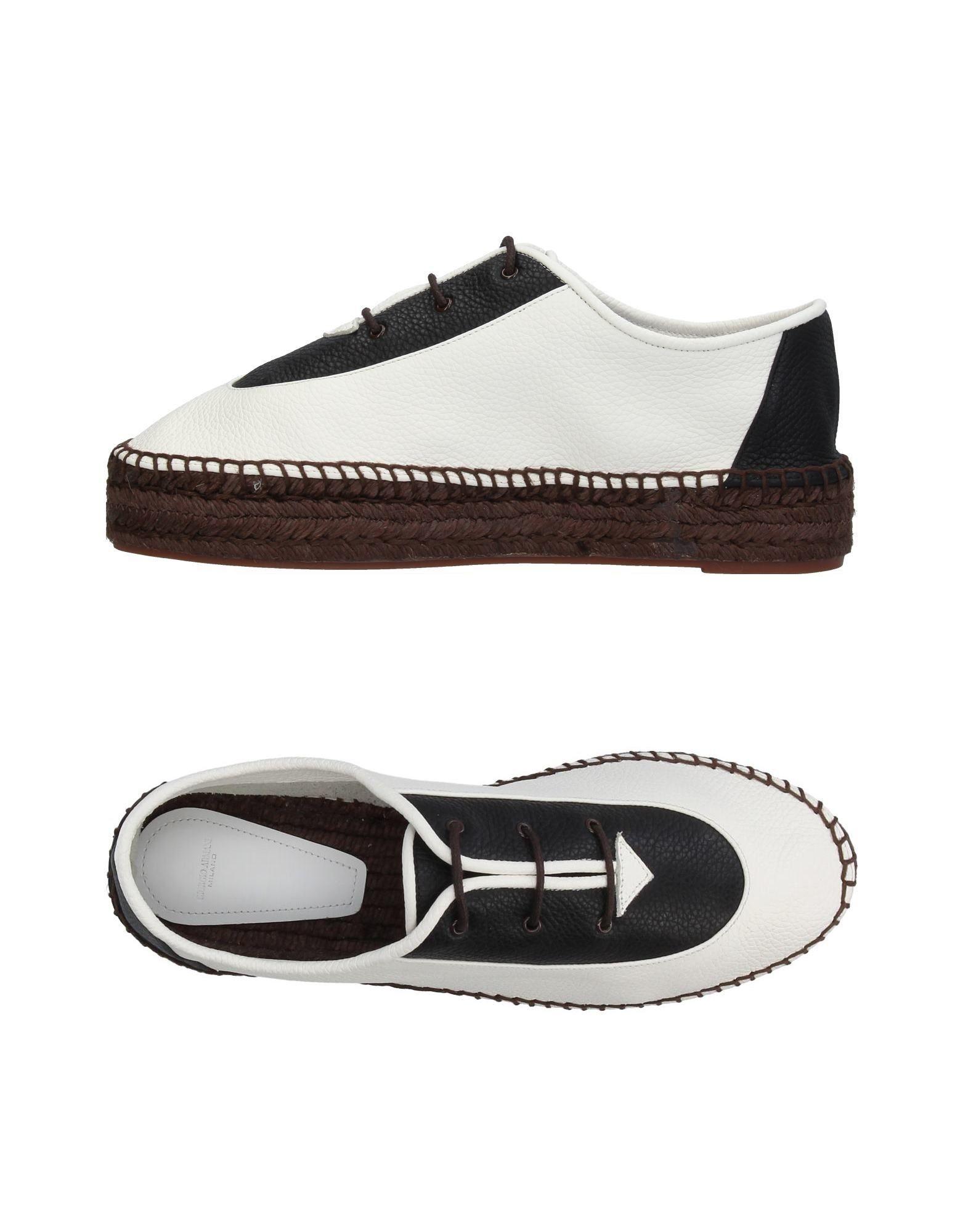 Chaussures À Lacets Giorgio Armani Femme - Chaussures À Lacets Giorgio Armani sur