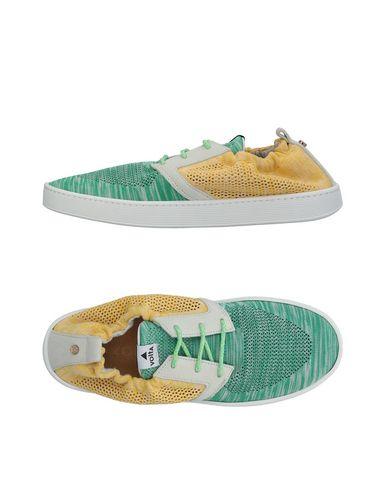 VOLTA Sneakers in Green