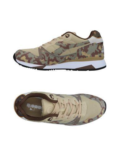 Zapatos con descuento Zapatillas Diadora Hombre - Zapatillas Diadora - 11401561CB Beige