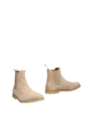 Common Projects Ankle Boots In Beige