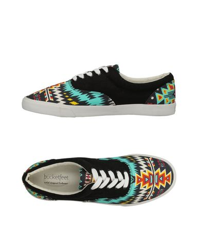 BUCKETFEET Sneakers