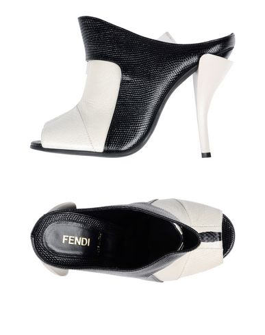 Sandales Fendi Femme - Sandales Fendi sur YOOX - 11435898EH 13cef4227f4