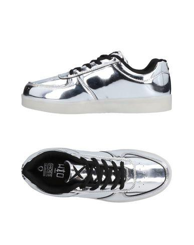 WIZE & OPE Sneakers in Light Grey