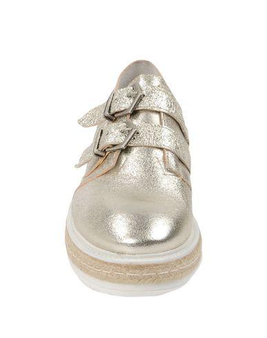 GEORGE J. LOVE Sneakers