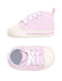 chaussure fille 24 converse