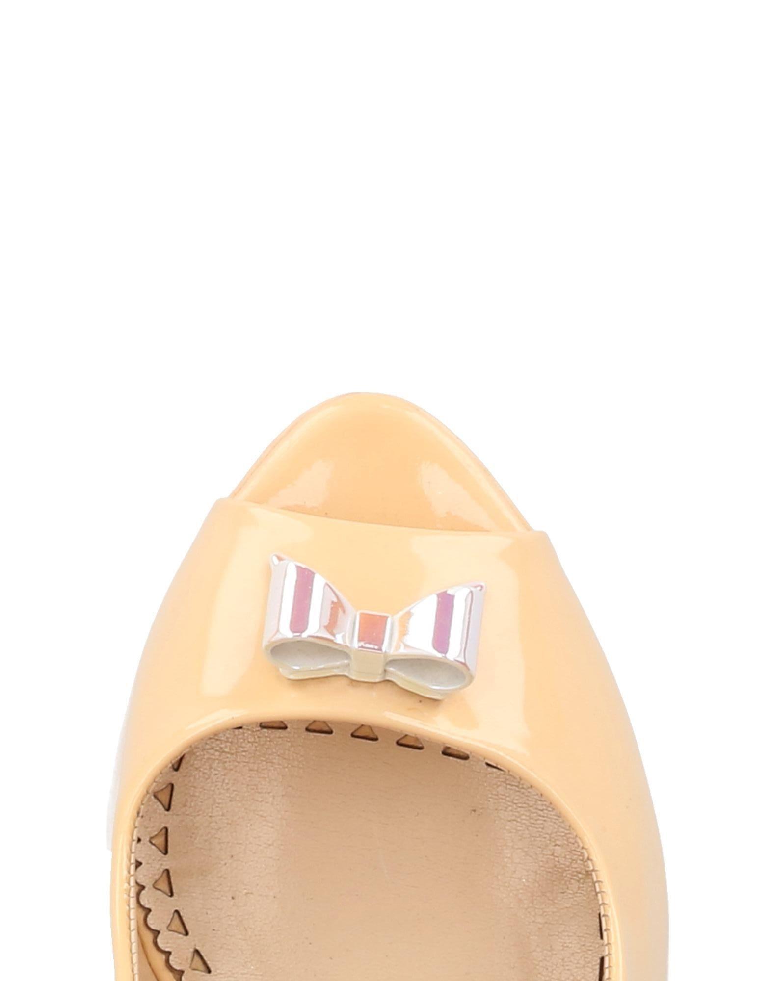 Gut um billige Schuhe zu tragenMoschino Cheap And Chic Pumps Damen  11452002SF