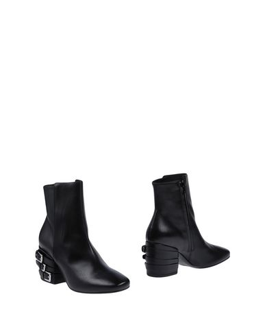 VIC MATIĒ - Ankle boot