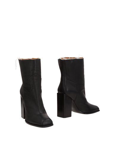 SAINT LAURENT - Ankle boot