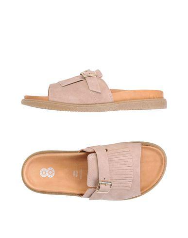 8 Sandalen